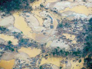 Saqueadores de oro del Perú